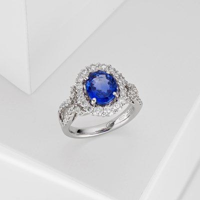 Sapphire Blue Ring